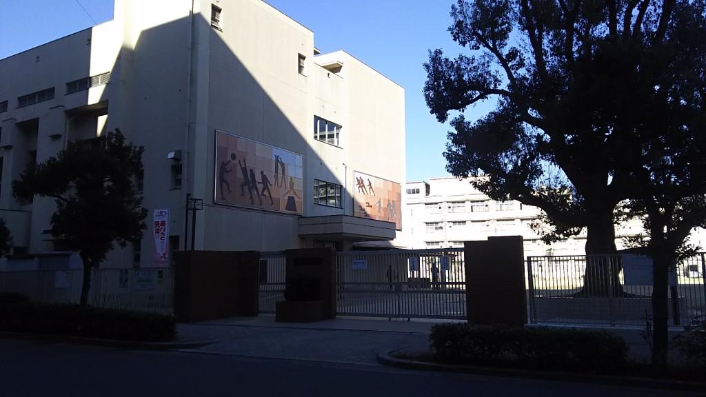 西中島小学校 南側門