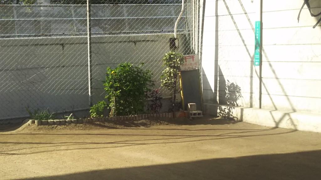 淀川郵便局前交差点 北東角 子どもの遊び場 鳥居のマーク