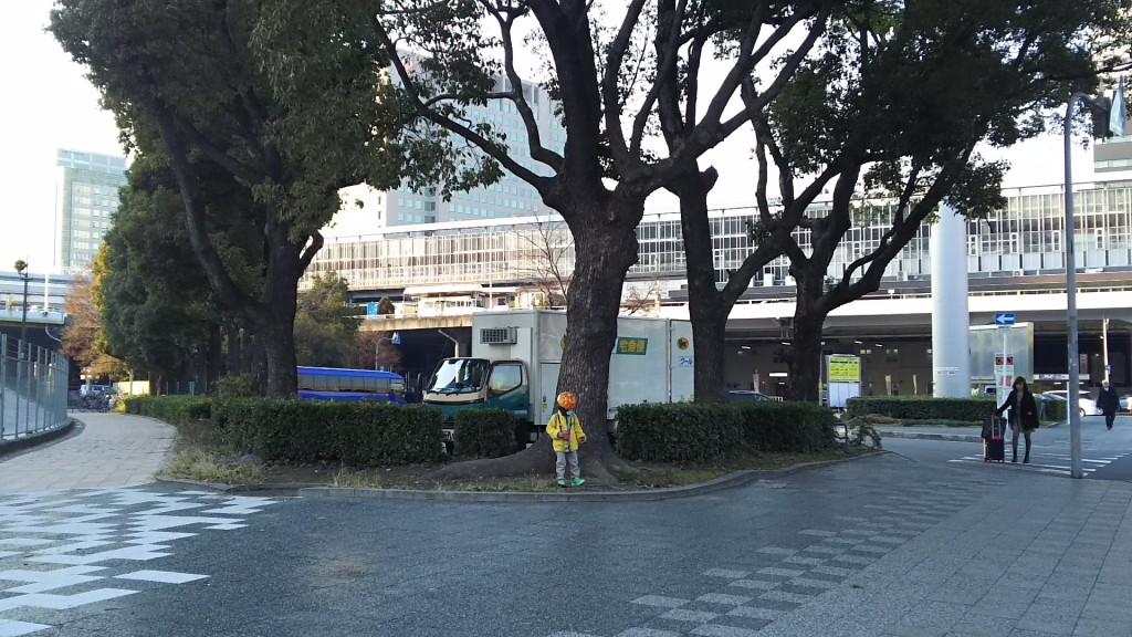 JR新大阪駅 ロータリー横通路