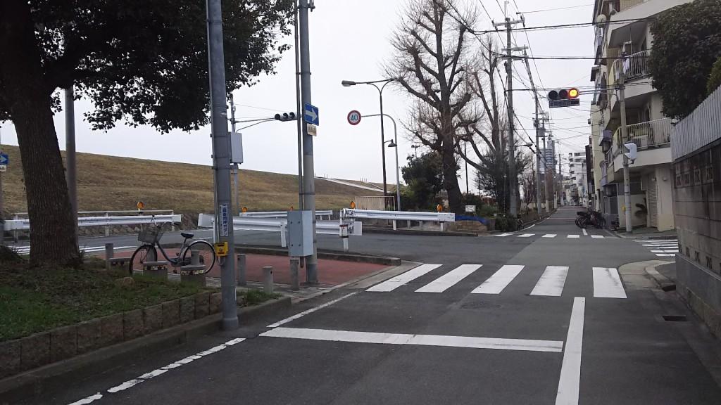 木川東と木川西の境目の交差点