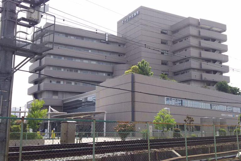 十三市民病院 外観 西側から