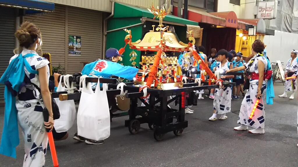 塚本神社 こども神輿 巡回中