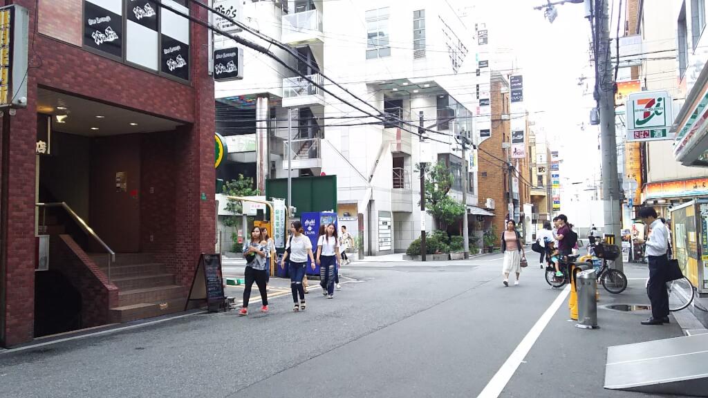 阪急南方駅 東側と ちぃふ〇〇 本店