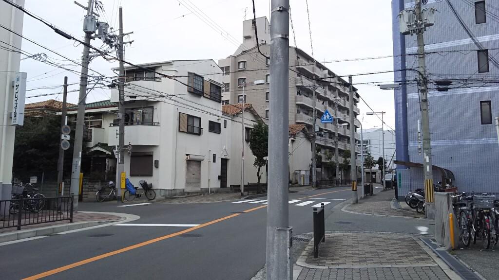 ここから100 最寄りのバス通り 北向き(吹田方面)