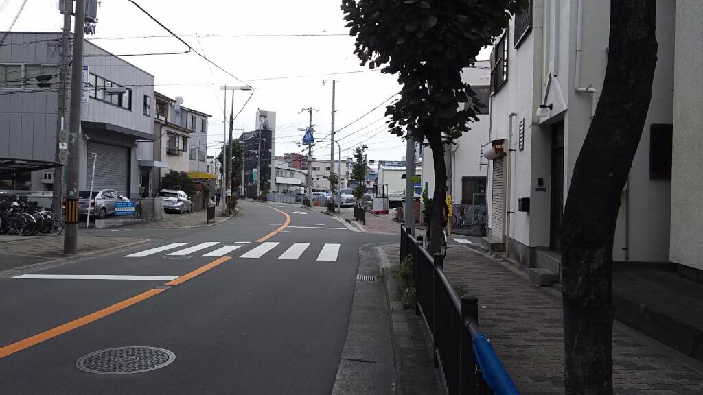 ここから100 最寄りのバス通り 南向き(淀川方面)