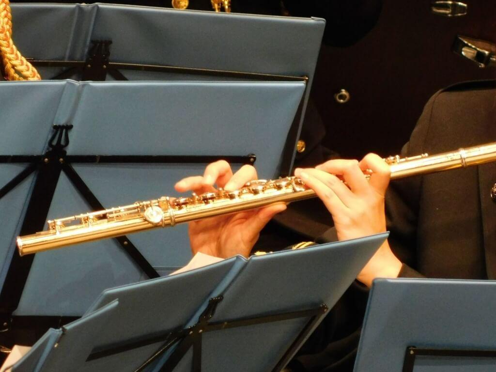 オーケストラ内 フルート演奏の様子