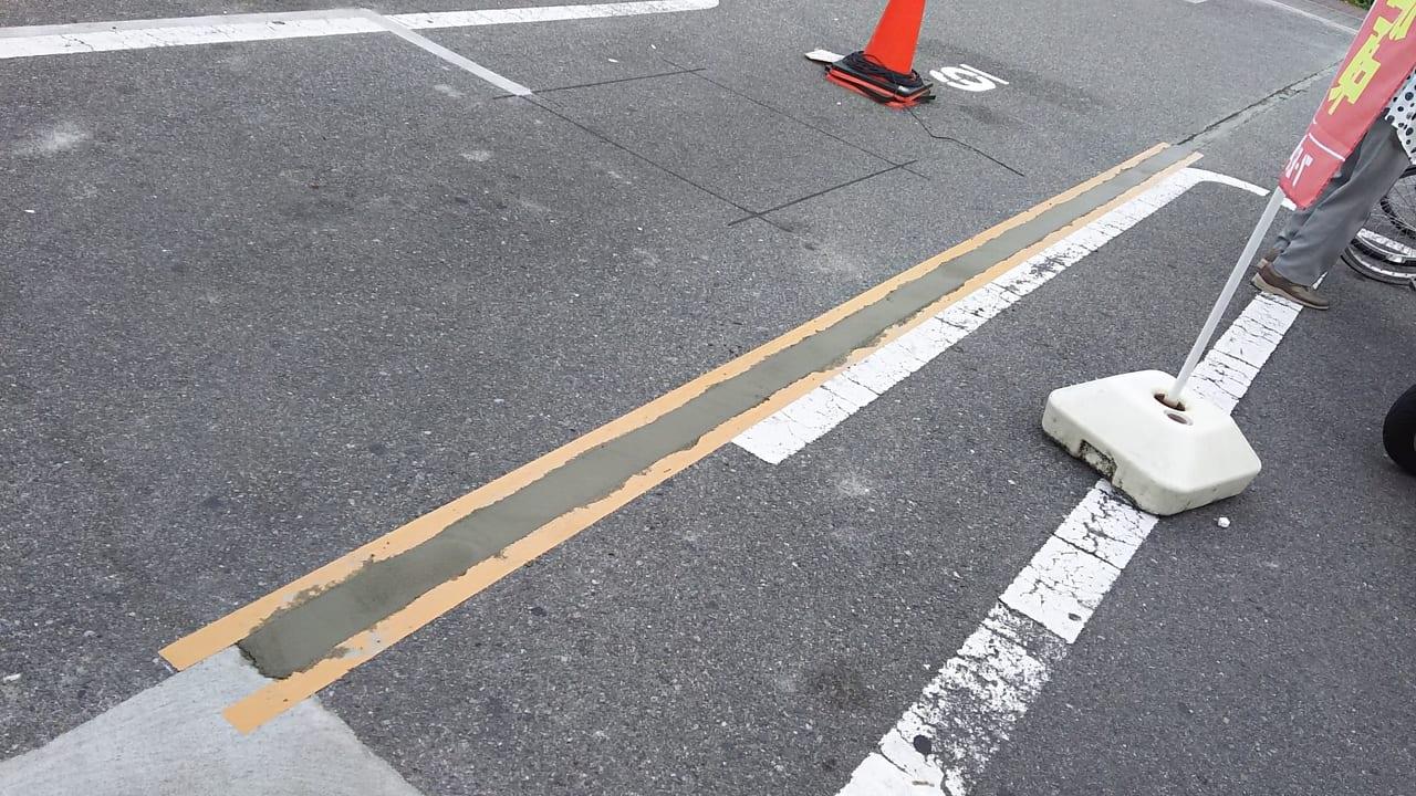 セブンイレブン 大阪木川西淀川通り店 駐車場と駐輪場の間 2019年7月8日