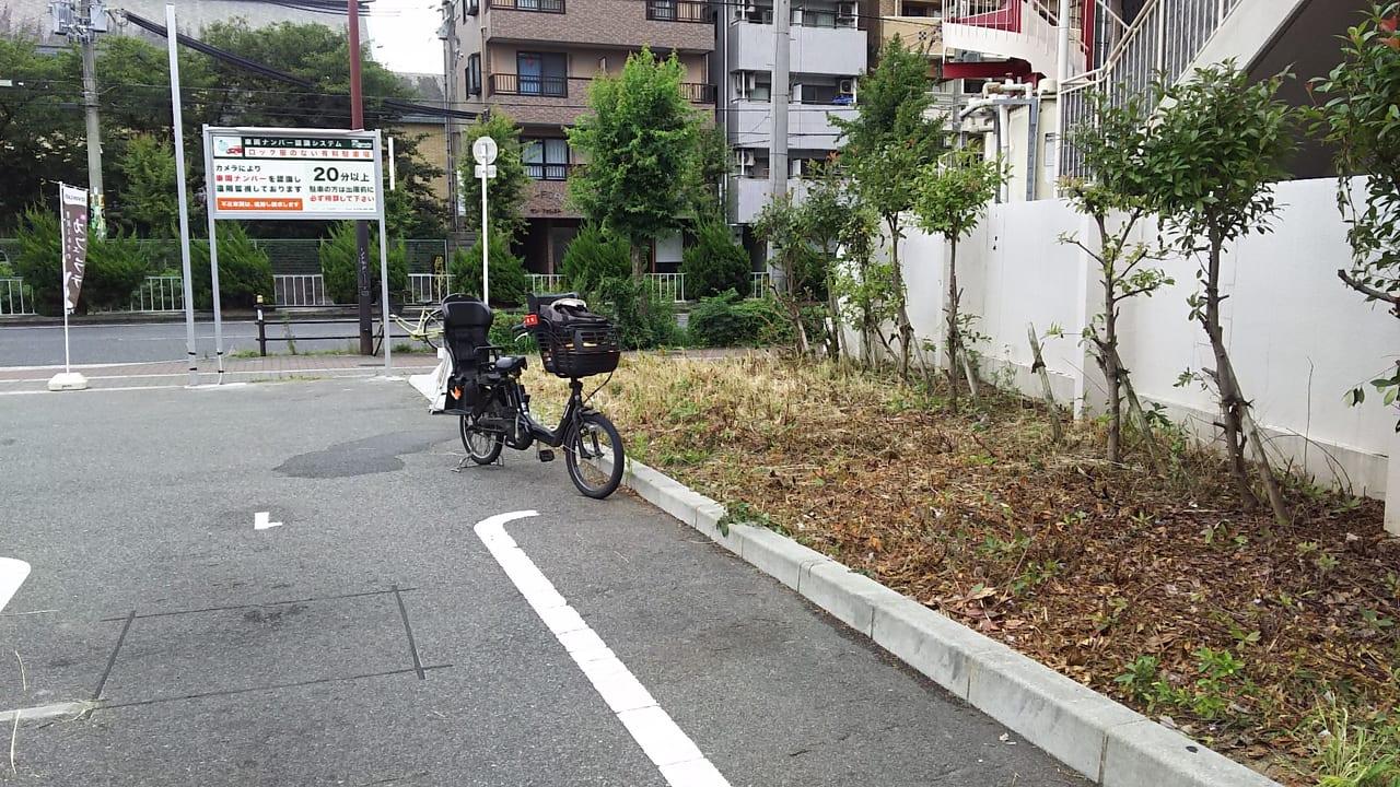 セブンイレブン 大阪木川西淀川通り店 駐車場 西端