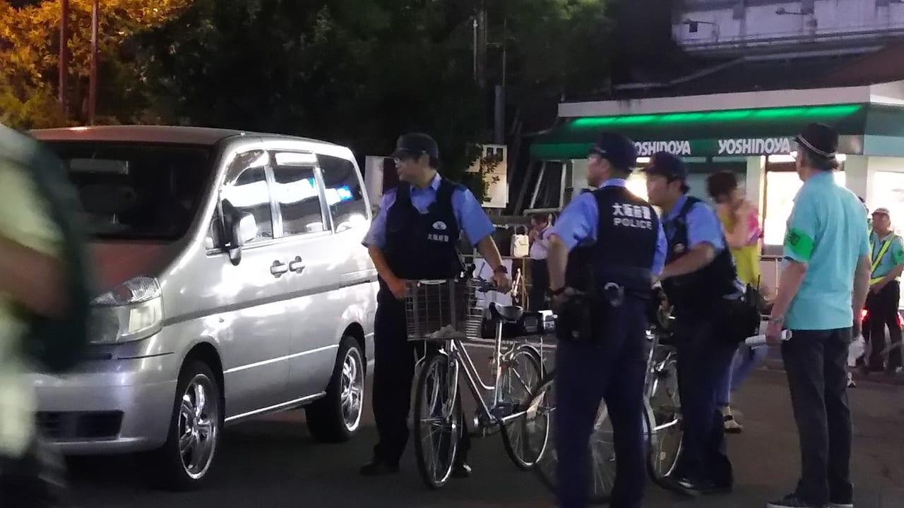 塚本神社 夏祭り 2018年 JR塚本駅前ロータリー 駐車車両に対する 対応中