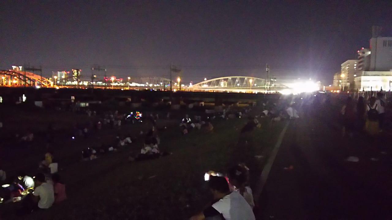 第30回 なにわ淀川花火大会 21時45分頃の様子