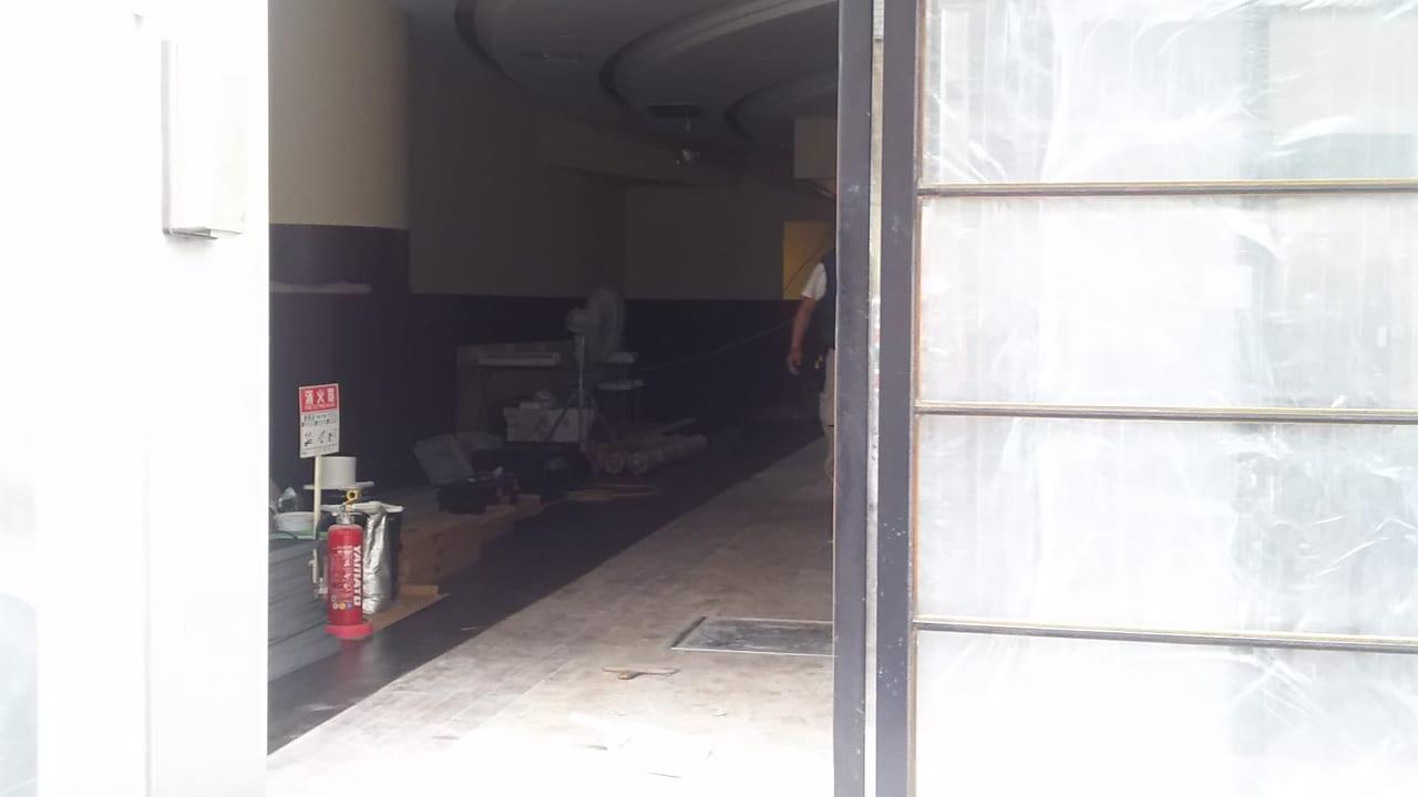 ホリーズカフェ十三東口店 2019年7月31日現在の店内の様子