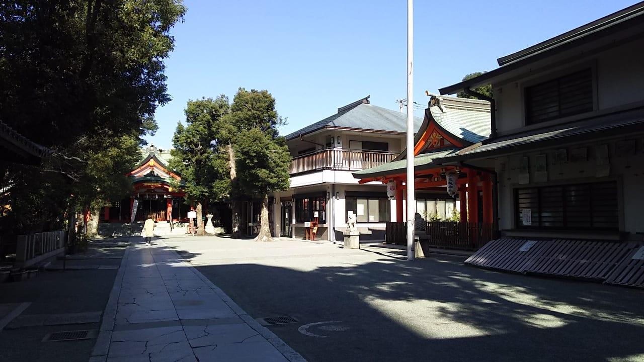 神津神社 境内